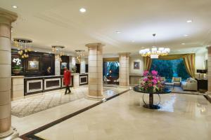 The lobby or reception area at Amman Marriott Hotel
