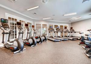 The fitness center and/or fitness facilities at Global Luxury Suites at the Junction