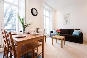 A seating area at Dream South Kensington Apartment