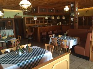 A restaurant or other place to eat at Hotel Schützenhaus