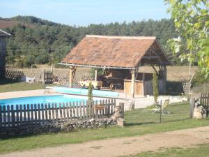 The swimming pool at or near Gite du Domaine de Bombes