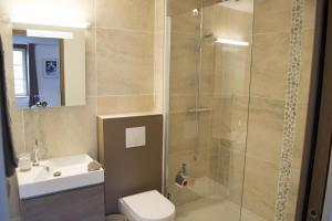 A bathroom at Appartement12.com