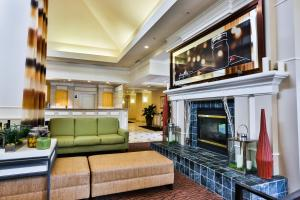 The lobby or reception area at Hilton Garden Inn State College