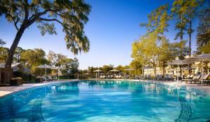 The swimming pool at or close to Montage Palmetto Bluff