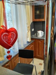 A kitchen or kitchenette at Apartment Kronshtadt