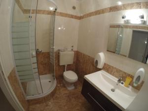 A bathroom at Silvija Apartments
