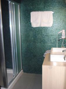 A bathroom at Hotel Koziakas