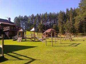 Vaikų žaidimų erdvė apgyvendinimo įstaigoje Sodyba Tundra