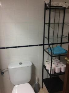 A bathroom at Apartamento Mateos 50 por ciento dcto directo