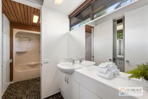 A bathroom at Sapphire Owl