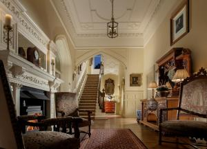 The lobby or reception area at Crossbasket Castle