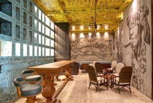 The lounge or bar area at Ibis One Central - World Trade Centre Dubai