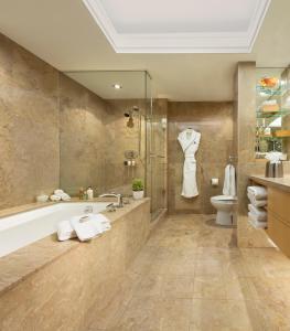 A bathroom at The SoHo Hotel