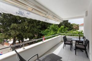 A balcony or terrace at Apartments Villa Alba