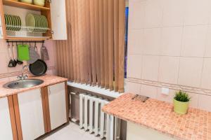 Кухня или мини-кухня в Lucky Hostel