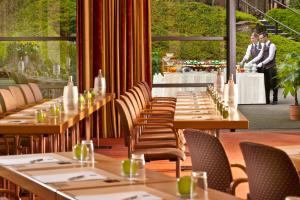 A restaurant or other place to eat at Dorint Hotel & Sportresort Arnsberg/Sauerland