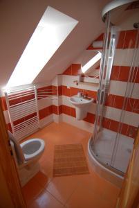 Koupelna v ubytování Penzion Dvůr