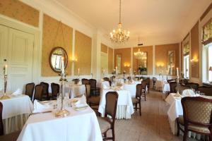 En restaurant eller et andet spisested på Sophiendal Manor