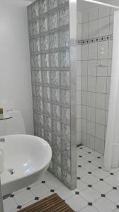 A bathroom at Royaltybed Copenhagen