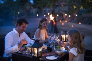 A restaurant or other place to eat at Anantara Kalutara Resort