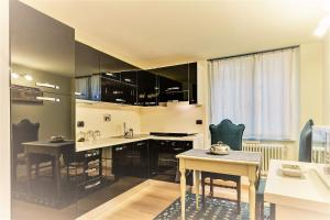 A kitchen or kitchenette at Tornabuoni Charme