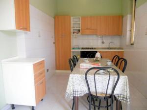 Cucina o angolo cottura di Adriana Apartment