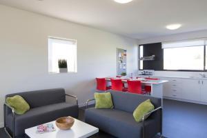 A kitchen or kitchenette at Western Sydney University Village - Campbelltown