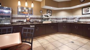 A kitchen or kitchenette at Best Western St. Louis Inn