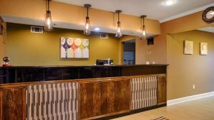 The lobby or reception area at Best Western Gateway Inn