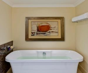Avani Windhoek Hotel & Casino tesisinde bir banyo