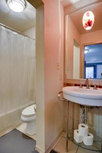 A bathroom at Barton Hills Condominiums
