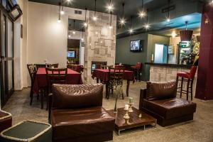 Ресторант или друго място за хранене в Hotel Restaurant 6ATO RiLa