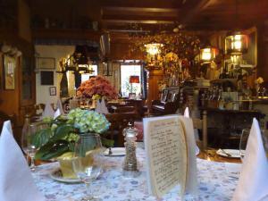 Ein Restaurant oder anderes Speiselokal in der Unterkunft Hotel Borcharding Rheine Mesum