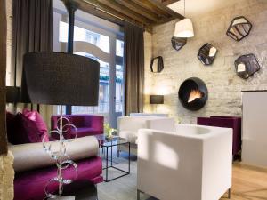 אזור ישיבה ב-Hôtel Jacques De Molay