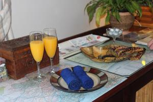 Breakfast options available to guests at Bayside Lodge