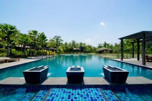 The swimming pool at or near Pattara Resort & Spa
