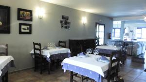 A restaurant or other place to eat at Hotel Rural Xerete
