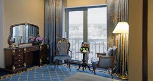 Гостиная зона в Orion Hotel Bishkek