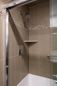A bathroom at Stonecroft Inn