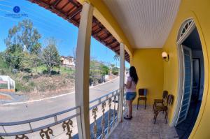 A balcony or terrace at Pousada Canastra Da Serra