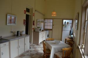 A kitchen or kitchenette at Old Parkes Convent