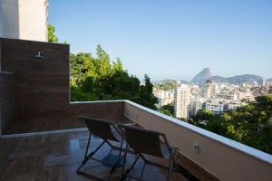 A balcony or terrace at Sugar Loft Apartments