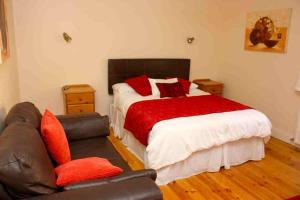 A bed or beds in a room at Pearse Road Bed & Breakfast