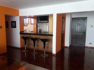 A kitchen or kitchenette at Miraflores