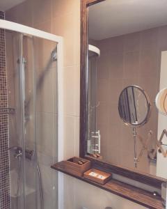 A bathroom at Apartments Legacy
