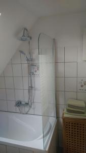 Ein Badezimmer in der Unterkunft Messe und Ferienwohnung