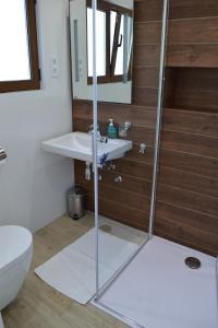 A bathroom at Villa I Karma