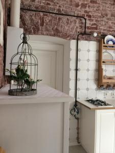Кухня или мини-кухня в Апартаменты на Миллионной 19