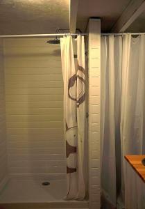 A bathroom at La bicoque