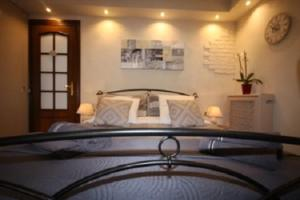 A bed or beds in a room at Villa Eleonora